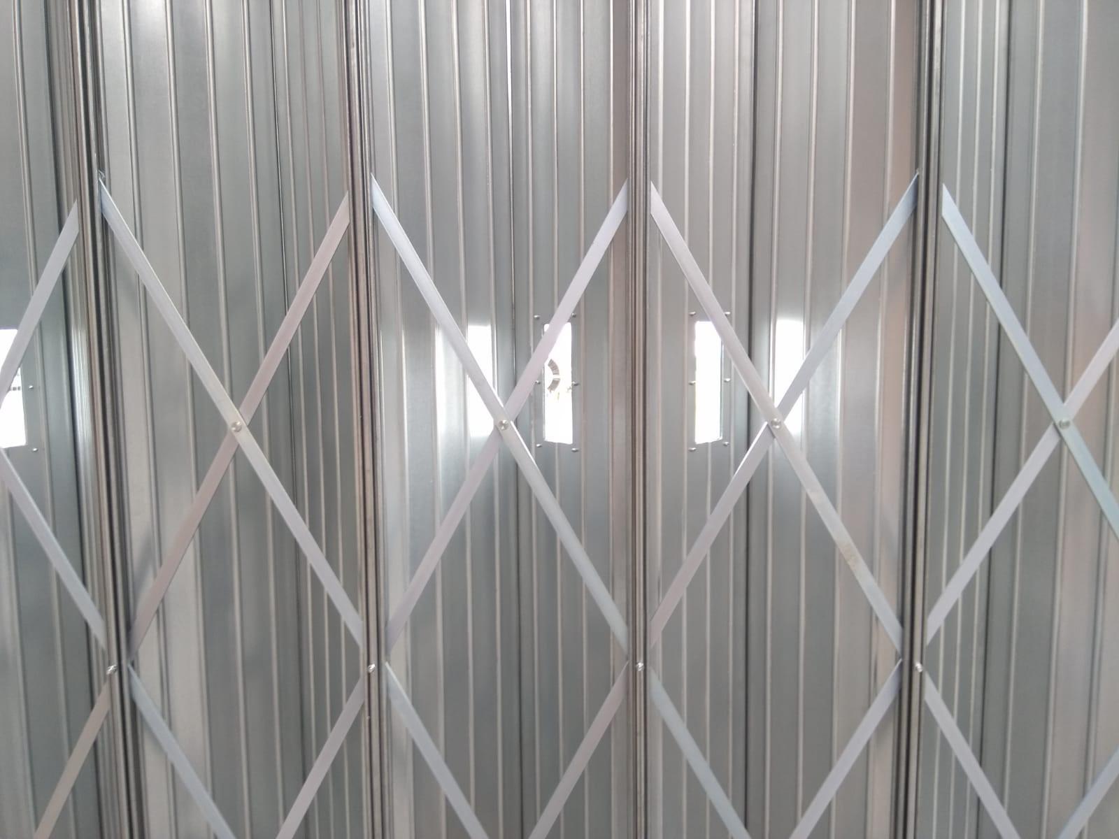 sliding-shutter-with-windows-3